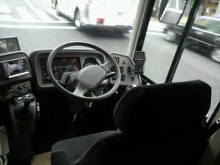 willer bus prima 運転席