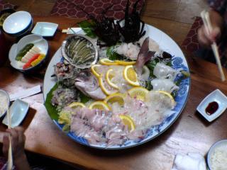 伊豆の赤沢に刺身をたべに行った