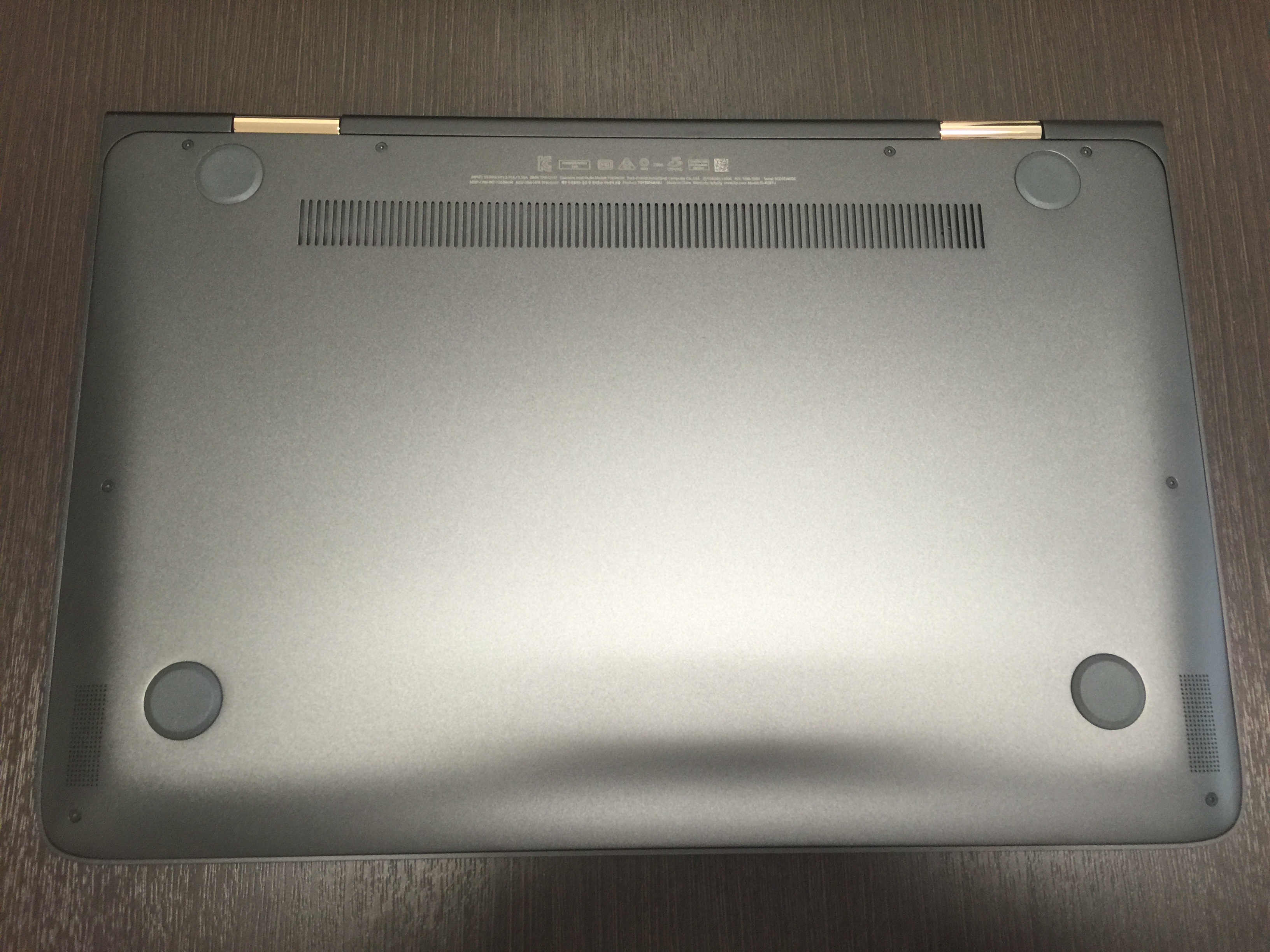 HP Spectre 13-4129TU x360 back panel